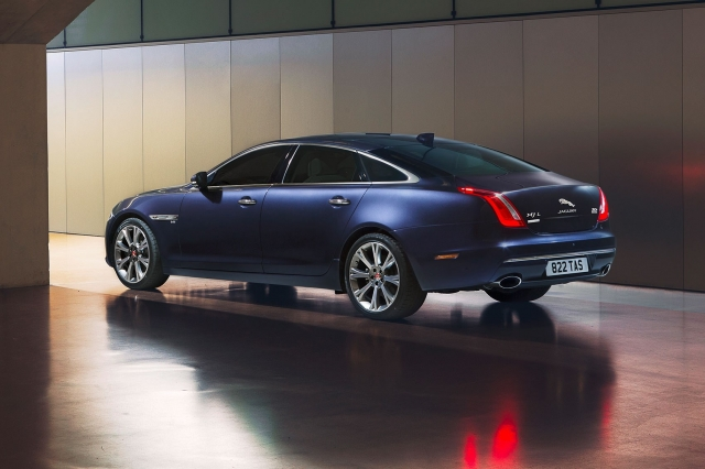 Race with the Sunrise - The New Jaguar XJ - Top Gear - BBC